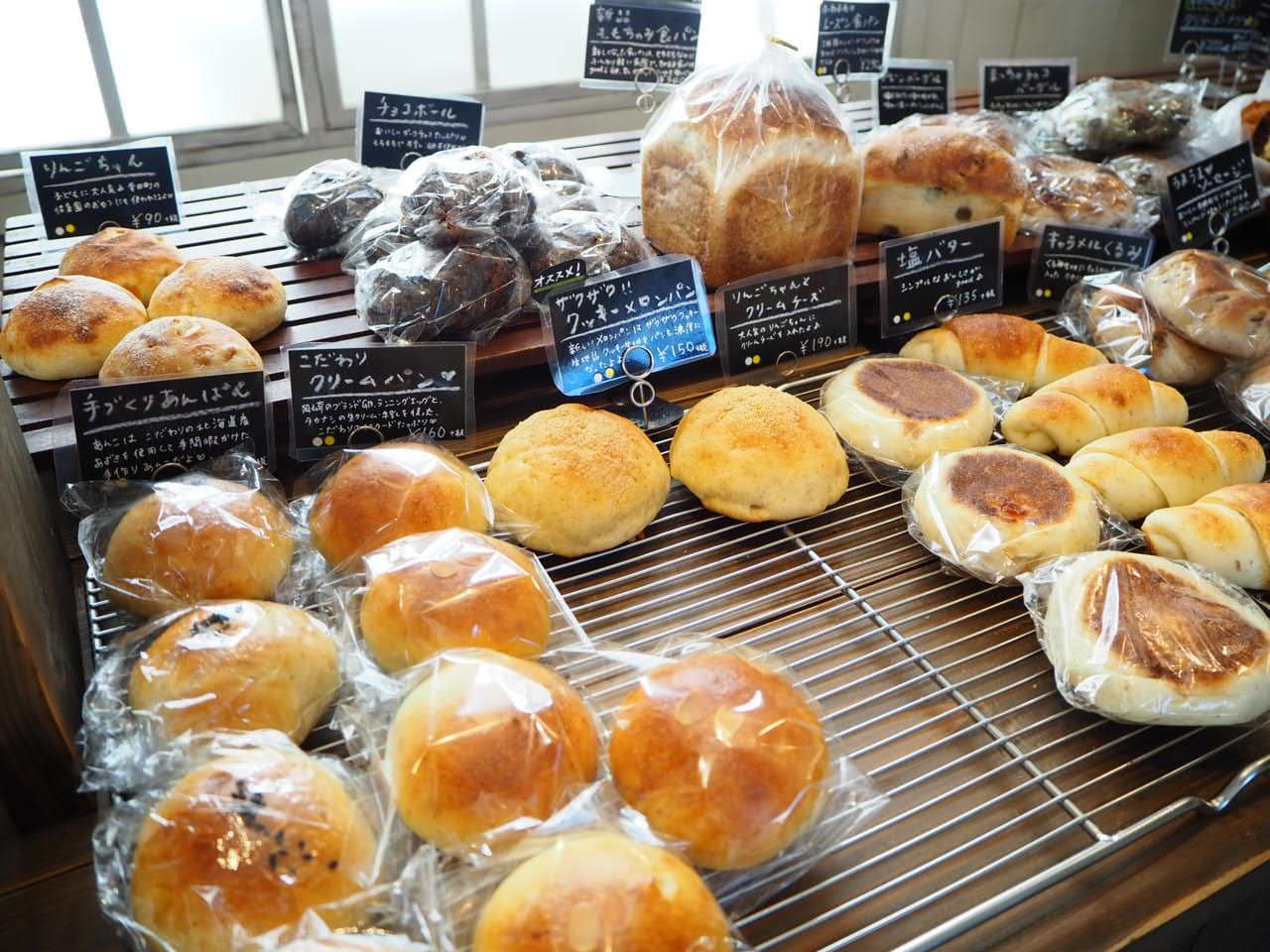 モモチャミブレッドのパン