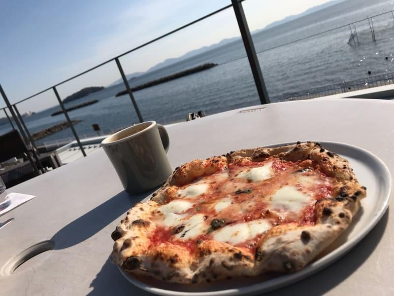 カフェオーシャンのピザ
